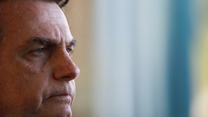 """Filho de Bolsonaro diz que """"por vias democráticas"""" o Brasil vai demorar a entrar nos eixos"""