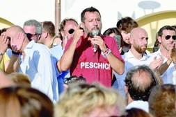 Salvini quer forçar os deputados a interromperem as férias para votarem a moção de censura na próxima semana