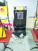 Máquina de tabaco foi estroncada e o assaltante levou maços e cerca de 50 euros em notas