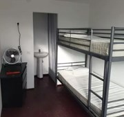 Contentores de 12 metros quadrados por alugar no valor 600 euros em Marvila