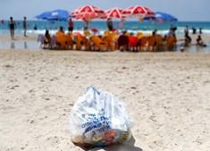 Poluição com plásticos