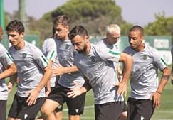 Bruno Fernandes mantém-se como jogador do Sporting, mas pode sair a qualquer momento. O mercado fecha na próxima segunda-feira