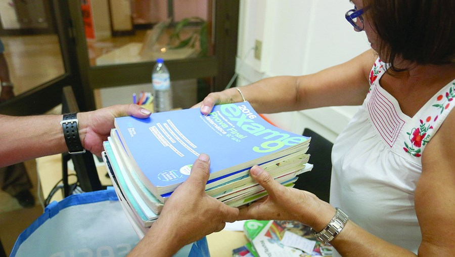Reutilização de manuais escolares