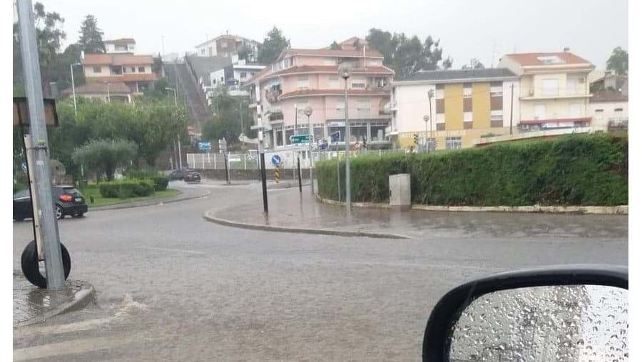 Chuva e mau tempo deixam ruas inundadas em Mirandela