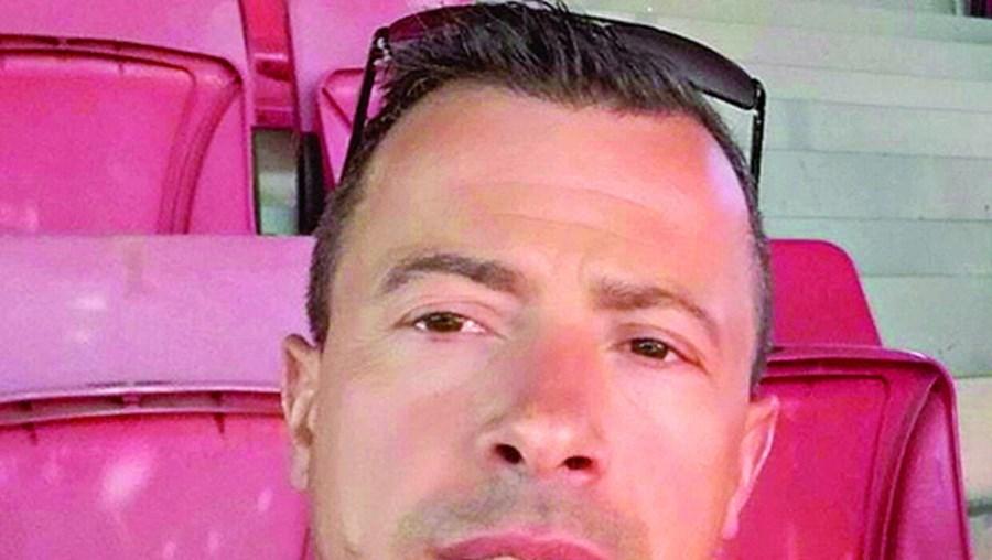 Paulo Jorge Oliveira tem 43 anos