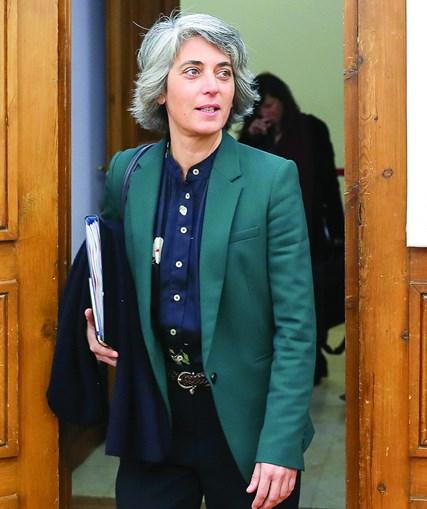 Pai de Graça Fonseca, ministra da Cultura, faz serviços ao Estado