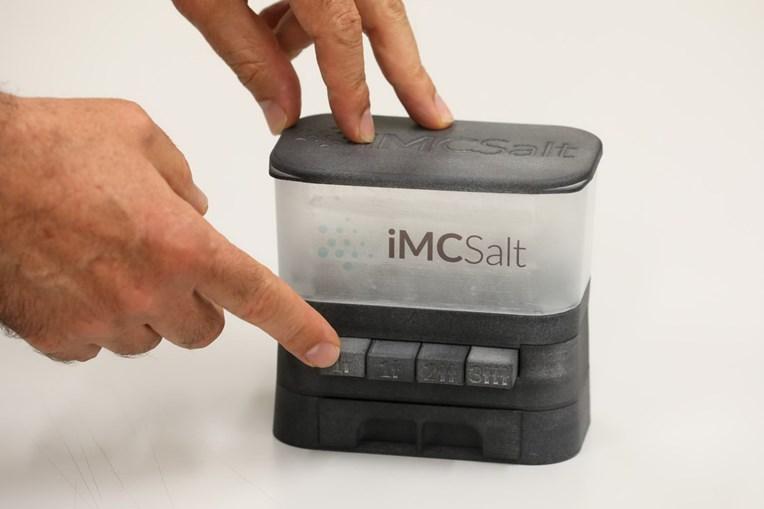 Portugueses inventam saleiro inteligente que calcula em segundos sal aconselhado nas refeições