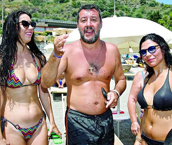 Matteo Salvini passou os últimos dias a fazer campanha nas praias italianas