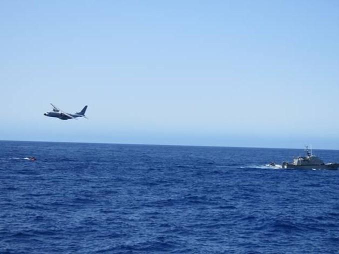 Força Aérea do Aeródromo do Porto Santo detetou a balsa com os pescadores