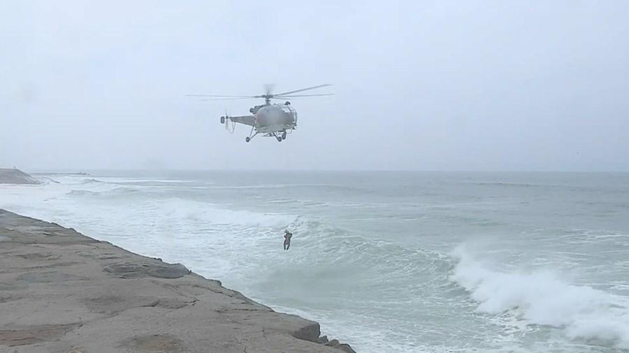 Homem morre ao tentar salvar a mulher na praia da Cortegaça em Ovar