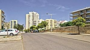Jovem de 19 anos esfaqueado durante rixa na rua em Portimão