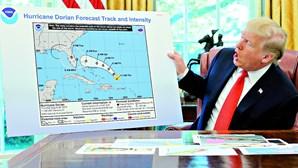 Donald Trump manipula gráfico para não admitir que se enganou