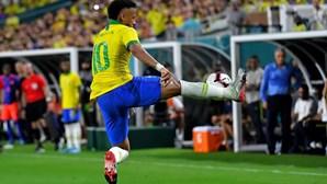 Neymar marca no empate do Brasil com a Colômbia de Carlos Queiroz