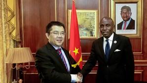 China construiu cem mil habitações sociais e 20 mil quilómetros de estradas em Angola em 17 anos