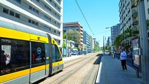 Homem suspeito de ter coronavírus fecha acesso à estação de metro do Bolhão