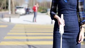 Empresa desenvolve bengala inteligente para cegos com Google Maps e Assistente de Voz