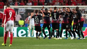 Benfica perde frente ao Leipzig na fase de grupos da Liga dos Campeões num jogo impróprio para cardíacos