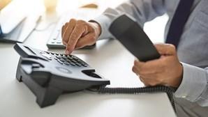 Governo obriga serviços públicos essenciais a ter linha telefónica gratuita ou com custo reduzido