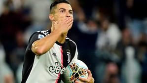 """Ronaldo elogia Sarri e diz que a idade """"é apenas um número"""""""