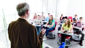 Professores arrependidos de ter escolhido a profissão
