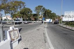 Homem esfaqueado até à morte em posto de combustível em Oeiras