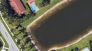 Imagem do Google Earth mostra carro no interior de um lago
