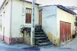 A casa onde Roberto Leal nasceu e viveu até aos onze anos de idade