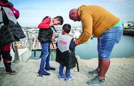Leve os seus filhos a um batismo de mar
