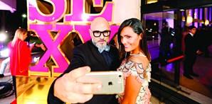 Polícia da Moda (Nuno Tiago) aproveitou para tirar uma selfie com Ana Pedro Arriscado