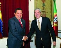Sócrates com Hugo Chávez em maio de 2008