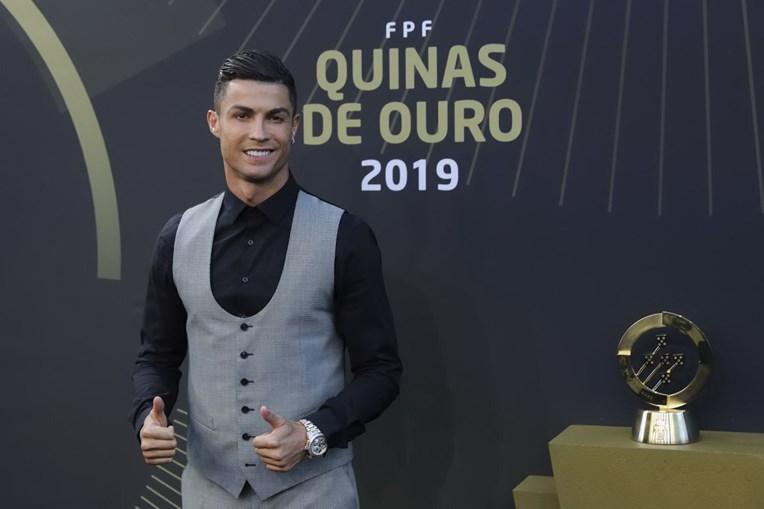 Cristiano Ronaldo arrasa redes sociais após ganhar prémio de melhor jogador do ano