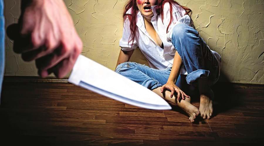 Vítima chegou a ser ameaçada de morte com uma faca por parte do ex-companheiro que não aceitava o fim da relação