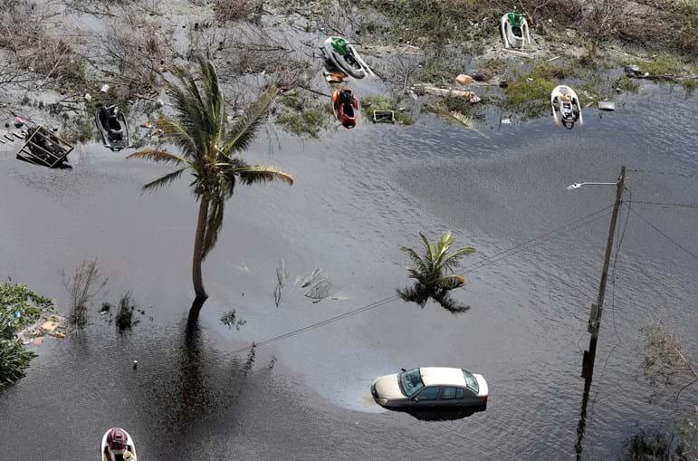 Destruição causada pelo furacão Dorian