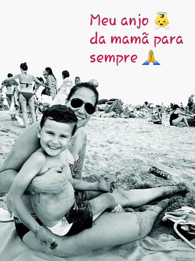 """Eloine Duarte, mãe de Tomás, colocou esta foto nas redes sociais, com a mensagem: """"Meu anjo da mamã para sempre'"""