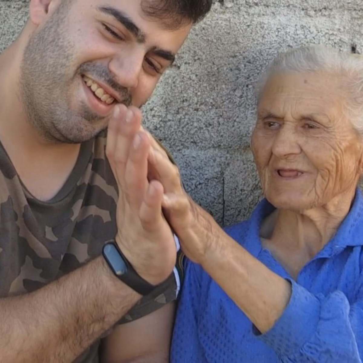 Avos Brasileiros Porn Videos em trás-os-montes há uma avó que já é viral na internet