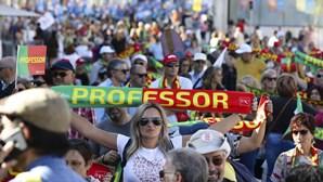 Milhares de professores juntam-se em Lisboa em protesto contra a precariedade