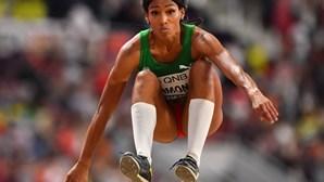 Mamona bate recorde dos campeonatos em pista coberta