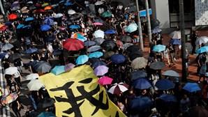 China expressa indignação com projetos de lei dos EUA a favor de Hong Kong e ameaça retaliar