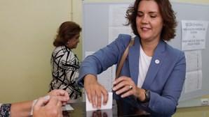 Assunção Cristas esperou 50 minutos para votar e fez apelo à participação