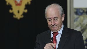 Rio espera solução de Costa para decidir se sai de cena ou assume papel de líder da oposição