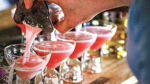 Novo serviço no Algarve leva um 'barman' a sua casa para preparar cocktails