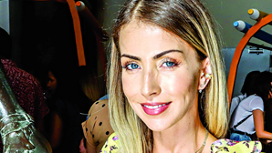 Laura Figueiredo recorre a cirurgia plástica para retocar o rosto