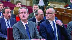 Condenação de 12 separatistas gera caos e revolta em Barcelona
