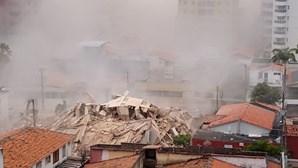 Pelo menos um morto em desabamento de prédio de sete andares em Fortaleza