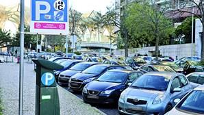 Pagamento de parquímetros da EMEL mantém-se suspenso em Lisboa. Saiba até quando