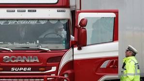 39 corpos encontrados dentro de camião no Reino Unido