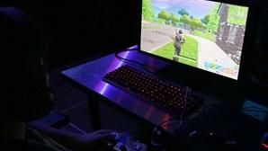 Especialistas estudam primeiro caso no mundo de um menor hospitalizado durante dois meses por vício a videojogo