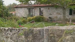 Família desalojada após incêndio numa habitação em Paredes de Coura