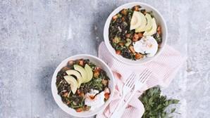 Todos vão adorar esta salada de feijão e ovos