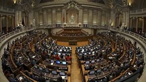 Parlamento debate em dezembro lei da nacionalidade, reversão da privatização de CTT e professores